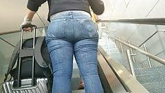 Candid ass on escalator