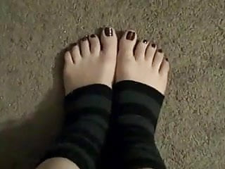 Teens in ankle socks Sexy pedicured feet in ankle warmers
