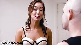 He Gives A Squirty Session To That Hot MILF Next Door