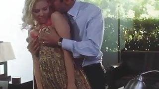 Scarlett Johansson romance in office 1