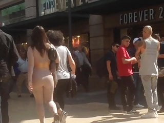 Hairy lady natural photo pussy - Huge ass, big tits in young lady, natural spandex color