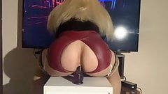 Tranny dziewczyna Eva Jensen pieprzyć go self dildo
