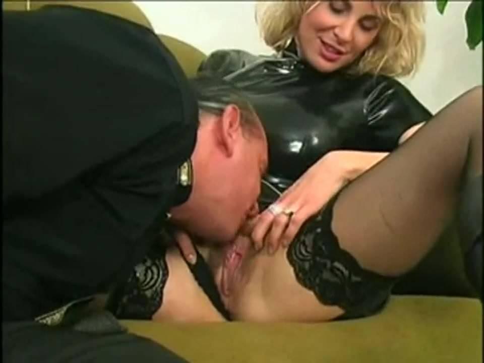 Blonde Milf Anal Hd Threesome