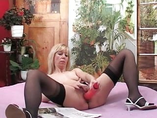 Nunc 12 well strip - Well used mature slut