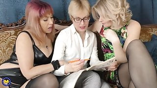Hairy mature lesbian threesome
