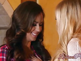 Hot blonde lesbian cheerleaders having sex Cute lesbians having hot sex action