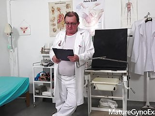 Gyno milfs - Double-hole gyno exam of hot milf kaylea tocnell