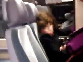 Zug escort - Flash im zug bei einer frau