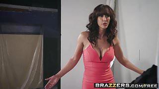 Brazzers - Pornstars Like it Big - The Headshot scene starri