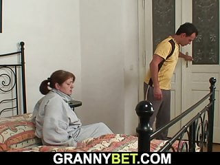 Mature mom takes it from behind Injured 80 years old grandma takes it from behind