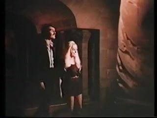Dey young nude La scatola dei giochi erotici 1971