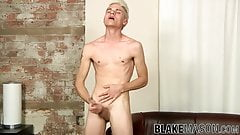 Young blonde homo Titus Snow wanks it like a pro