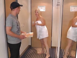 Erotic delivery boy - Milf fucks delivery boy