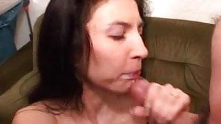 Hot lady gets an amateur gangbang and bukkake