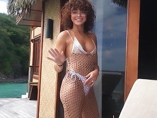 Whitney port bikini slip - Sarah hyland bikini nip-slip 6-7-19