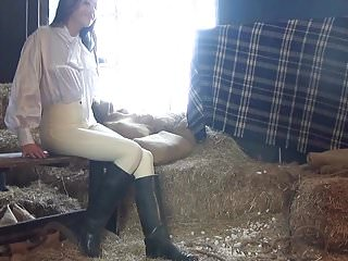 Breast girl jodhpur tight - Jen in satin and jodhpurs