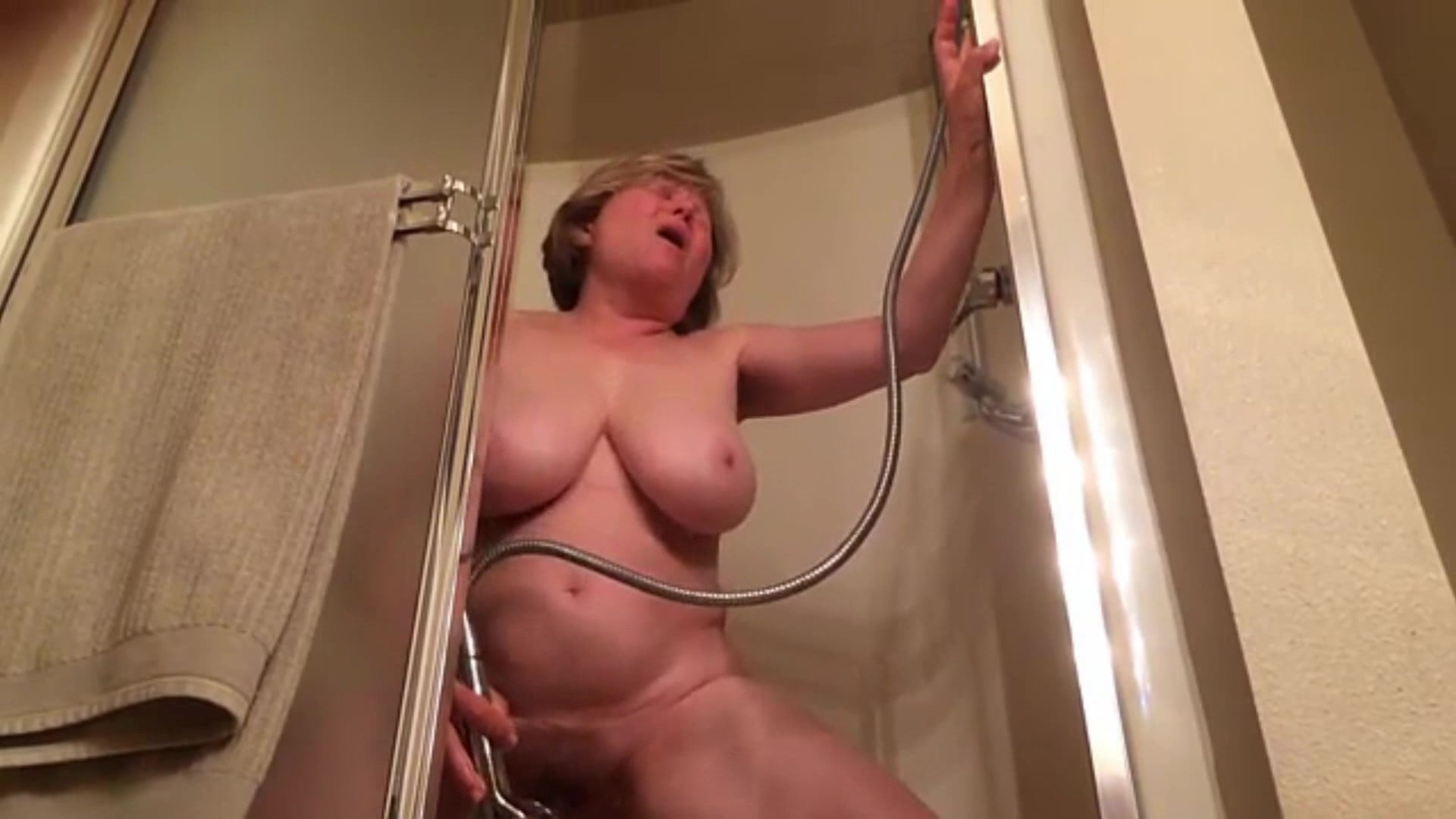 Busty Babe Loves To Masturbate That Wet Pussy Of Hers
