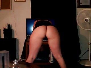 In mini skirt slut woman - Twerking in mini skirt