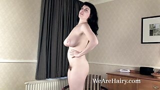 Suzie shows us her naked body