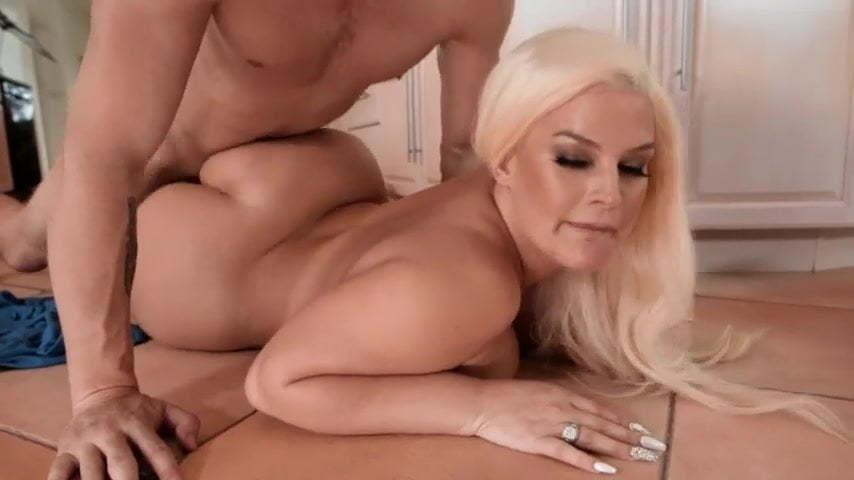Nackt Julie Cash  Julie Cash