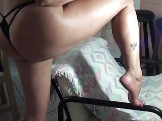 Hot giel shows her ass Sexy mature wife shows her feet and big hot ass
