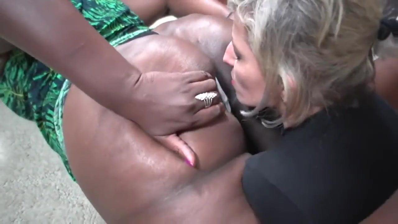 Ebony Lesbian Soles Worship