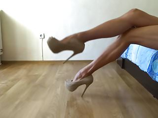Nude sculture woman My sexy long legs in nude high heel pumps