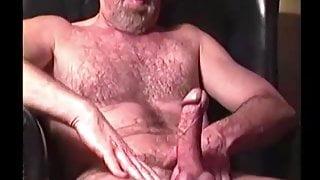 Amateur Mature Man Deacon Beats Off