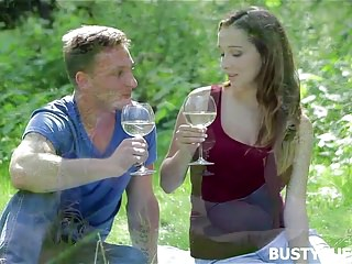 Buffie ass - Romantic meeting with busty buffy