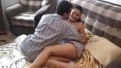 Russian girl looses her virginity