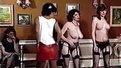 Brytyjskie wieczory boogie - duże cycki z lat 80-tych rozbiera tancerzy