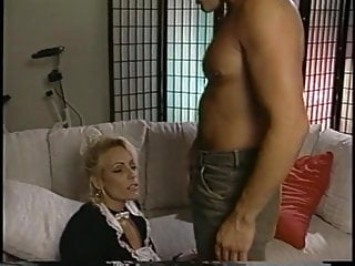 Vintage look diamond mounts Tt boy unloads his wad on blonde milf debbie diamond