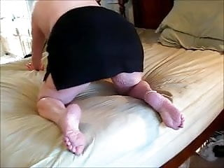 Pussy feet fedish banger Butt pussy feet look