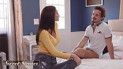 Gorący młody mężczyzna Robby Echo pieprzy twardy mamuśki Silvia Saiges cipki