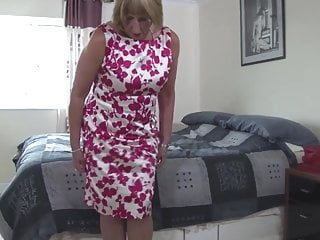 Wet toilet paper vagina - Dirty granny with wet thirsty vagina