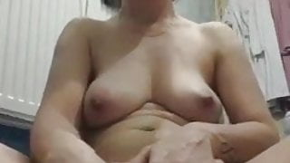 mature wife fucks with bottle