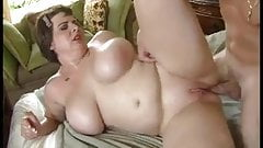 curvaceous milf loves anal sex