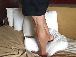 Leg mature woman - Muscular legs trample
