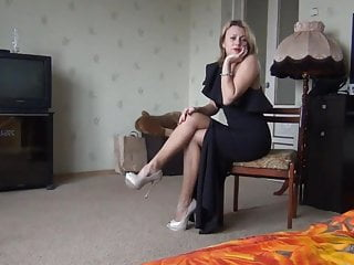 Bbw hot lady Hot lady in black dress showing legs and pussy