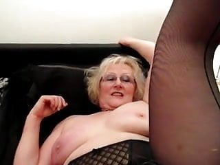 Lesbians licking creampie from pussies - Sexy carol from romford licking claire knights pussy