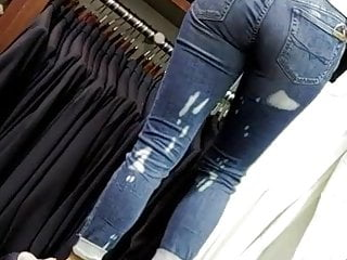 Nice ass jeans facesitting Candid hot blonde w nice ass in jeans
