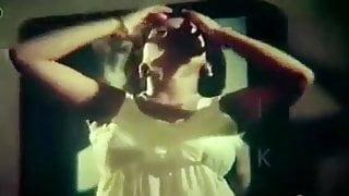 Desi Babhi Changes Dress, Video - The Black Web
