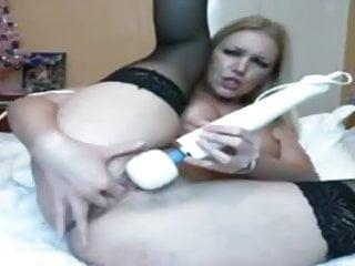 Amateur surgeon secret files Mature lady filing 2 holes on webcam