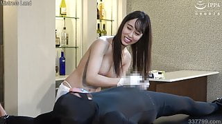 Lily Hosho teases slave and makes him ejaculate with handjob