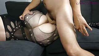 I finger this huge ass of a French pawg in sexy lingerie!