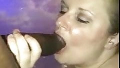 Amateur thick girl sucks fat cock in jacuzzi