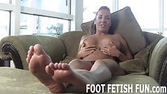 I want to show off my sexy feet for you