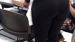 Задница моей коллеги такая толстая, о боже мой (расширенная версия)