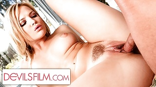 Dirty Alexis Texas Gets Smashed Deeply By The Salesman
