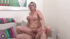 Mature mom Luciane suck and fuck lucky son